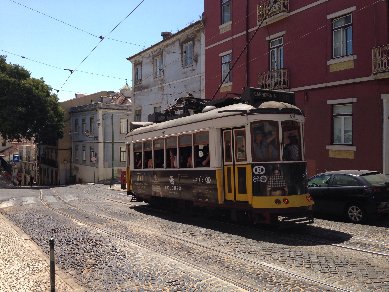 Lissabon Straßenbahn www.diewunderbarewelt.com